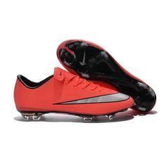 La chaussure de foot Nike Mercurial Vapor X offre un contréle ultra-rapide et une détente légère pour l'attaquant. De la coupe au confort incomparable aux motifs d'adhérence Vapor. - 95.0000