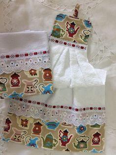 Kit bate mão e pano de prato no Elo7 | Jô Arte e Variedades (B5B8B4) Dish Towel Crafts, Dish Towels, Tea Towels, Sewing Tutorials, Sewing Projects, Towel Dress, Hanging Towels, Decorative Towels, Beautiful Crochet