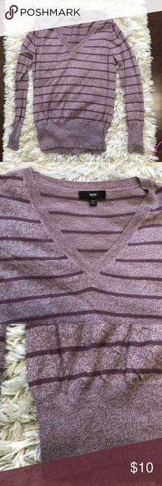 Mossimo v neck sweater Casual comfy Stripe thin knit v neck sweater Mossimo Supply Co Sweaters V-Necks