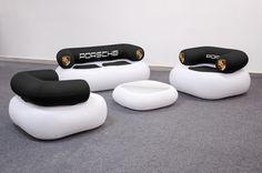 """Bieten Sie Ihren Kunden die Möglichkeit auf Ihrem Messestand zu verweilen und mit Ihnen ins Gespräch zu kommen. Die no problaim Chillout Möbel sind """"Pneu Möbel"""". Das heißt sie sind aufblasbar und luftdicht. Diese  aufblasbaren Messemöbel werden in Kleinserie aus robuster PVC Folie vorproduziert und sind als Single Chair, Double Chair und Table erhältlich. Die Oberfläche hat eine hübsche kunstlederartige Prägung und der Bodenbereich ist nochmals verstärkt ausgeführt. Sunglasses Case, Leather"""