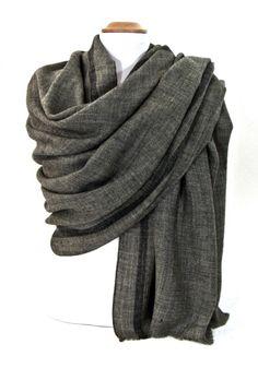 20198b1469b0 Etole laine gris foncé tissée avec rayures. Etoles 100% laine découvrez +  de 100
