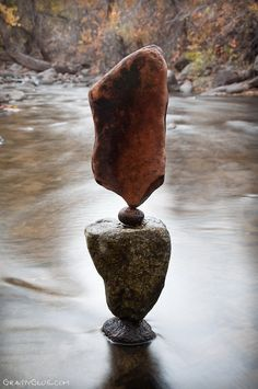 The Balanced Rock Sculptures of Michael Grab Rely Solely on Gravity Land Art, Michael Grab, Michael Kors, Stone Balancing, Stone Cairns, Rock Sculpture, Stone Sculptures, Balanced Rock, Decorative Pebbles