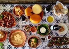 and these are just the starters... @visitportugal @Aptece @Thesiracusas #portugal #food #portugalfoodstories pic.twitter.com/MKHafeF3vg