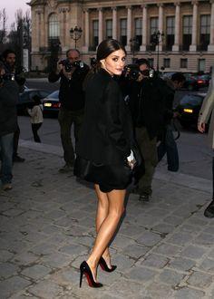 Zarif, sade, çekici ve dozunda bir kadınsılık... T am ayarında! son zamanlarda en beğendiğim stile sahip, güzel oyuncu Olivia Palermo, çok r...
