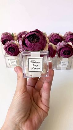 Wedding Favors by WhiteRoomHandmade on Etsy - Modern Wedding Favours Luxury, Wedding Gifts For Guests, Wedding Cards, Gift Wedding, Diy Birthday Gifts For Friends, Mom Birthday Gift, Wine Gift Baskets, Basket Gift, Baby Shower Sweets