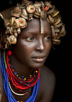 Recycled headwear trash jewelry, Omo Valley tribes Ethiopia (1441×2048)