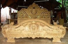 Михаил Рэбитатор   ВКонтакте Wood Bedroom Furniture, Victorian Furniture, Wooden Furniture, Furniture Design, Wood Carving Designs, Wood Carving Art, Box Bed Design, Wood Sleigh Bed, Carved Beds