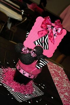 Minnie Mouse cake 8 10 Pums Sweets Pinterest Minnie
