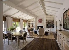 Jennifer Aniston-vaulted living room