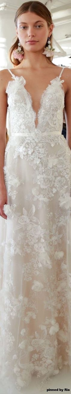 Marchesa Bridal Fall 2017 l Ria                                                                                                                                                                                 More