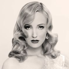 Let's rewind to the 40s with #vintage wavy hair! #TBT #NYChair #NYCsalon #Hairstyle #womenshaircutnyc #womenshaircut #trendyhairstyles #springhairstyles #highfashion #texture #razorcutting #pointcutting #professional #hairtrends2016 #curlyhair #straighthair #longhair #shorthair #nyclife