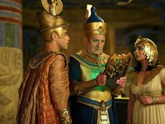 """Film frame from """"Night at the Museum 3: Secret of the Tomb"""" (2014)"""