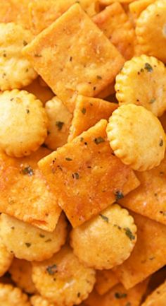 Buffalo Ranch Crackers {Football Friday}