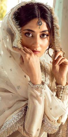 Salwar Dress, Anarkali Suits, Salwar Kameez, Sajal Ali, Girl Crushes, Cute Couples, My Favorite Things, Bride Portrait, Saree