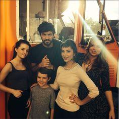 Kaitlyn Dever (Eve), Jordan Masterson (Ryan), Molly Ephraim (Mandy), Amanda Fuller (Kristin) and Flynn Morrison (Boyd) behind the scenes of Last Man Standing.