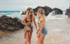 Find images and videos about love, summer and girls on We Heart It - the app to get lost in what you love. Hippie Style, Hippie Love, Hippie Girls, Best Friend Goals, Best Friends, Friends Girls, Photo Ocean, Indie, Dont Forget To Smile