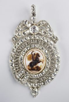 """""""Lesser George"""" Cameo Of Agate Set In Gold With Diamonds Is The Insignia Of The Order Of The Garter - Made By Nathaniel Marchant (1739-1816)  c. Early 19th Century - The Royal Collection"""