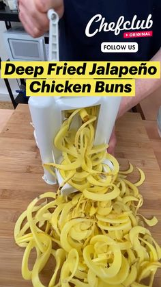 Recipes Appetizers And Snacks, Snacks Für Party, Fun Baking Recipes, Cooking Recipes, Chicken Buns, Tastemade Recipes, Great Chicken Recipes, Dinner Entrees, Weird Food