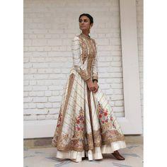 robe mariage de chez Rimple and Harpreet Narula.