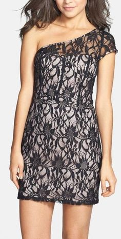 Lace One shoulder short dress
