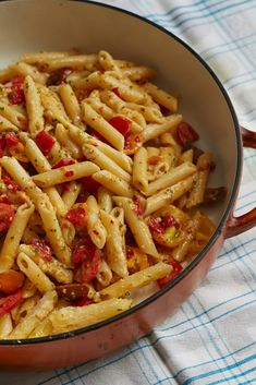 Youll only need one pan to prepare this super-easy meatless pasta dish- Giada De Laurentiis - Giadzy Giada Recipes, Pasta Recipes, Recipe Pasta, Recipe Recipe, Noodle Recipes, Spicy Recipes, Chili Recipes, Diet Recipes, Vegetarian Recipes
