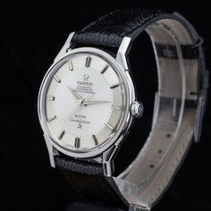 """Pie-Pan Constellation at its very finest. This piece from 1954 is very crisp and has a rare feature on the dial. The writing 'Meister' is placed at the 6 o'clock position. Meister is a well-known retailer in Switzerland. Not often we find a Pie-Pan with """"doppelsignatur"""". Omega Constellation The Constellation family was launched in 1952 …"""
