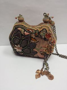 Mary Frances Beaded Flower Design Handbag #MaryFrances #ShoulderBag