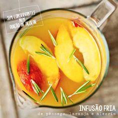 Infusão fria de pêssego, laranja e alecrim