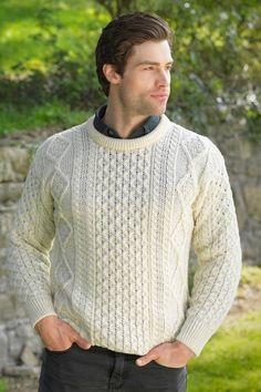 Superb softness mingled with the added warmth you need during the long winter months are hallmarks of our chunky Aran sweater. It combines traditional Irish details with a modern update that works wel