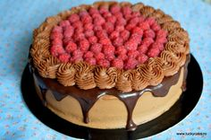 Raspberry and chocolate cake Lucky Cake, Dessert Recipes, Desserts, Chocolate Cake, Caramel, Raspberry, Sweet Treats, Mousse, Food