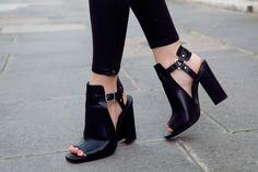 doyouspeakceline: chanel-and-vogue: more fashion here. i follow back similar blogs ♡ Do you speak Céline?