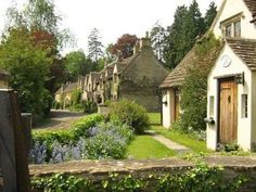 galava: Cotswolds cottages in Bibury, Gloucestershire — FUCKITANDMOVETOBRITAIN