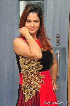Shilpa Chakravarthy in Modern Dress Photos,telugu anchor Shilpa Chakravarthy,she played as host for movie related event,Shilpa Chakravarthy