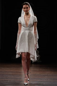 A look from the Naeem Khan bridal collection for spring 2016. Photo: Thomas Concordia/Getty Images.