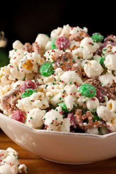 Top 10 Perfect Popcorn Recipes, Christmas Crunch {Funfetti Popcorn Christmas Style}