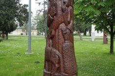 Drvena skulptura u parku skulptura u Ernestinovu