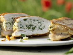 Gefüllte Hähnchenbrust mit Ricotta und Estragon: Leicht verdauliche Proteine aus Hähnchenfleisch werden vom Körper gut in Muskeln umgebaut.