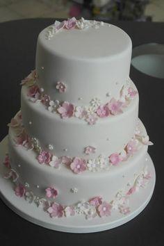 Taarten | taartenuittilburg.nl Mini Wedding Cakes, Amazing Wedding Cakes, Elegant Wedding Cakes, Fondant Cakes, Cupcake Cakes, Cupcakes, Pretty Cakes, Beautiful Cakes, Christening Cake Girls