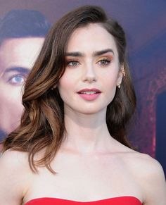Hair Make Up - Pixfamous Lilly Collins Makeup, Lily Collins Hair, Lily Collins Style, Lily Collins Eyebrows, Straight Hair Updo, Crochet Straight Hair, Brunette Beauty, Hair Beauty, Easy Hairstyles