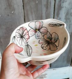 Pottery Painting, Ceramic Painting, Ceramic Art, Painted Pots, Hand Painted, Bead Art, Pattern Art, Ceramic Pottery, Surface Design