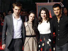 Robert Pattinson-Kristen Stewart Robsten Romance: Twilight Author, Stephenie Meyer Plays Cupid to Former Lovers [PHOTOS] - Entertainment & Stars