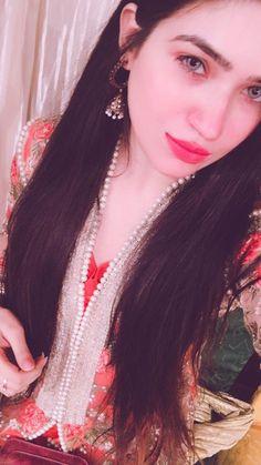 αиgєℓ ѕαяυ♥ Cute Girl Poses, Cute Girls, Indian Dresses Traditional, Amazing Dp, Sarees For Girls, Snapchat Streak, Salwar Dress, Muslim Beauty, Hand Photo
