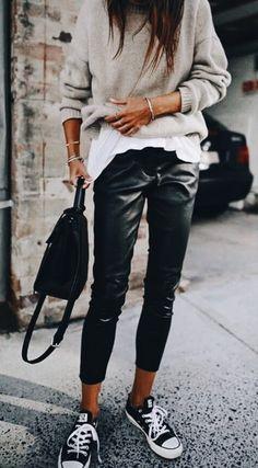 30 Beautiful Leather Outfit Ideas Copy Now Casual Fall Outfit Idea Black Leather Pants Plus Bag Plus Converse Plus Sweater Plus White Top Fashion Mode, Look Fashion, Autumn Fashion, Womens Fashion, Fashion Trends, Feminine Fashion, Fashion Ideas, Trendy Fashion, Fashion 2018
