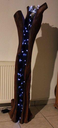 """Holzskulptur """"Open arms"""". Der Titel ist eine Anspielung , auf die Form des Ausgangs- Holzes. Das Video wie ich die Skulptur geschnitzt habe könnt Ihr auf meinem YouTube Kanal """"Larscarving"""" sehen. Viel Spaß"""