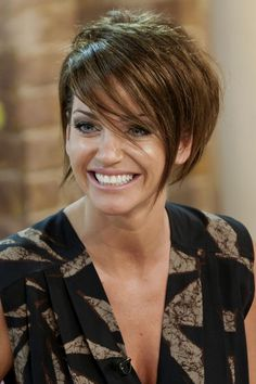 Sarah Harding's brunette crop - celebrity hair and hairstyles