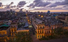 壁紙をダウンロードする ハバナ, 夕日, 町並み, 古い建物, キューバ Cuba, Havana, Open Air Restaurant, City Wallpaper, Old Buildings, Paris Skyline, Michigan, Sunset, World