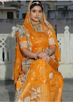 Indian Wedding Wear, Indian Bridal Fashion, Royal Dresses, Indian Dresses, Rajput Jewellery, Rajasthani Dress, Petite Bride, Bollywood, Crop Top Designs