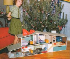 Vintage Dollhouse at Christmas.something I always wanted but never got :( Vintage Christmas Photos, 1950s Christmas, Modern Christmas, Christmas Morning, Vintage Holiday, Christmas Pictures, Christmas Time, Xmas Photos, Vintage Photos
