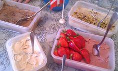 Madgudinden: Is - mælkefri vaniljeis, chokoladesauce og guf skum