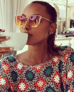 Jasmine Tookes turns heads as she shows off abs in patterned crop top hashtags Crochet Motif, Crochet Designs, Knit Crochet, Crochet Patterns, Crop Top Dress, Jasmine Tookes, Dress Hairstyles, Crochet Cardigan, Sport Fashion